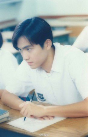 """钟汉良加盟《我去上学啦》扮高中生  十年前在西山学校""""上学""""照曝光"""