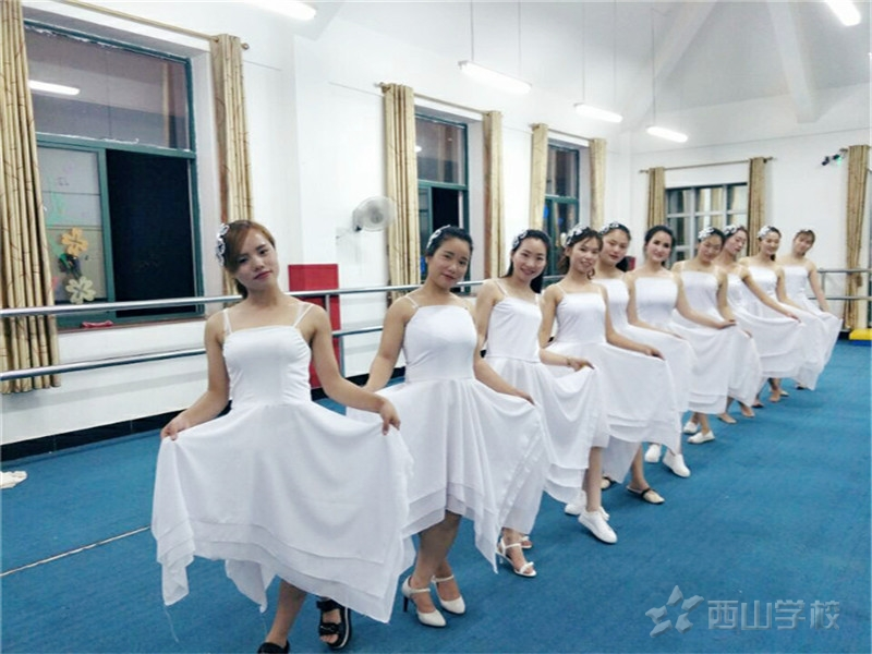 天气越来越热,五大妙招让孩子不再长痱子!--江西省西山学校幼儿园